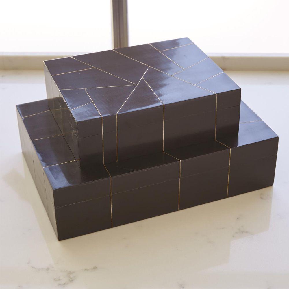Picture of HEPBURN BOX-BLK/BRS FILET, SM